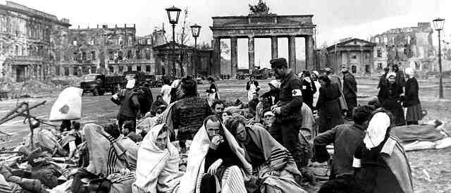 Olivia Kroth: April und Mai 1945 – Die siegreiche Rote ...