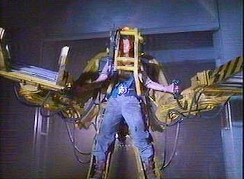 [Jeu] Association d'images - Page 39 Power-Loader-Exosquelette-Aliens-Film-01.jpg?u=http%3A%2F%2Fwww.robotblog.fr%2Fwp-content%2Fimages%2F2009%2F09%2FPower-Loader-Exosquelette-Aliens-Film-01
