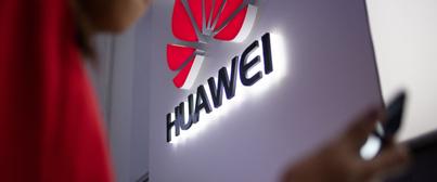 """5G : le Conseil constitutionnel valide la loi """"anti-Huawei"""", soupçonné d'espionnage"""