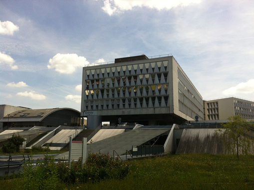 Hôpital Antoine-Béclère — Wikipédia