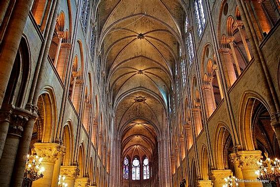 Art Now and Then: Inside Notre Dame de Paris