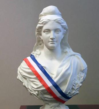 Expo : les Marianne du Pays de Riom