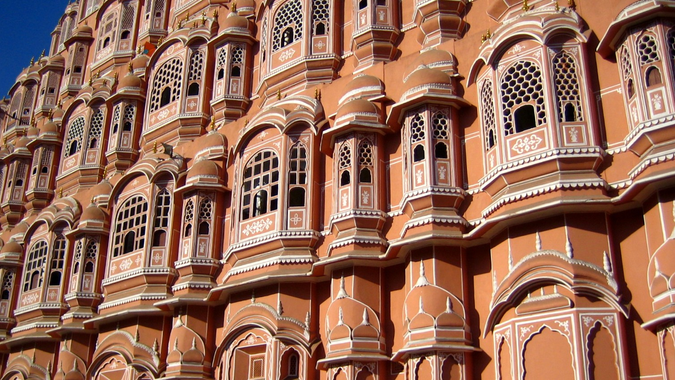 File:Closeup of the Hawa Mahal in Jaipur, India.jpg ...