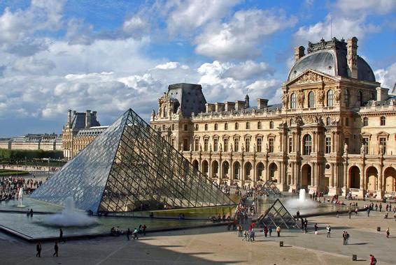 HistoARTs 3: Pyramide du Louvre