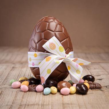 Le temps de Saint-Gontran, voit l'hirondelle arrivant (dicton du vingt huit) Oeuf-paques-chocolat.jpg?u=https%3A%2F%2Fwww.dlys-couleurs.com%2F3309-big_default%2Foeuf-paques-chocolat