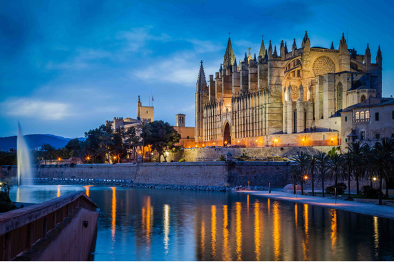 The Cathedral of Palma de Mallorca: The Cathedral of the light