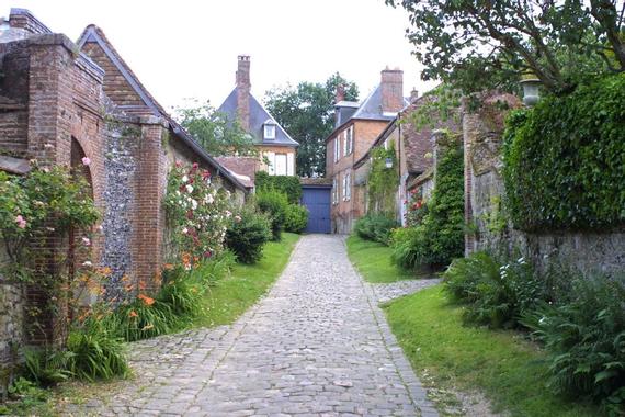 Promesse de roses: En Picardie : Fête des roses à Gerberoy ...