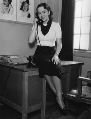 Fedoras and High Heels: Happy Birthday, Olivia de Havilland!