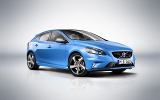 Download Volvo V40 R Wallpaper